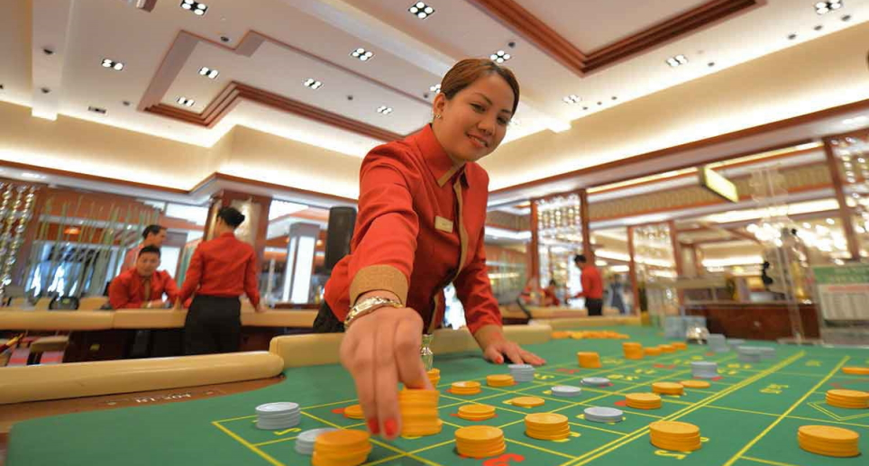 How did the casino industry connect to tourism growth?